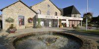 Saint-Brice-en-Coglès, Village étape @Péricat