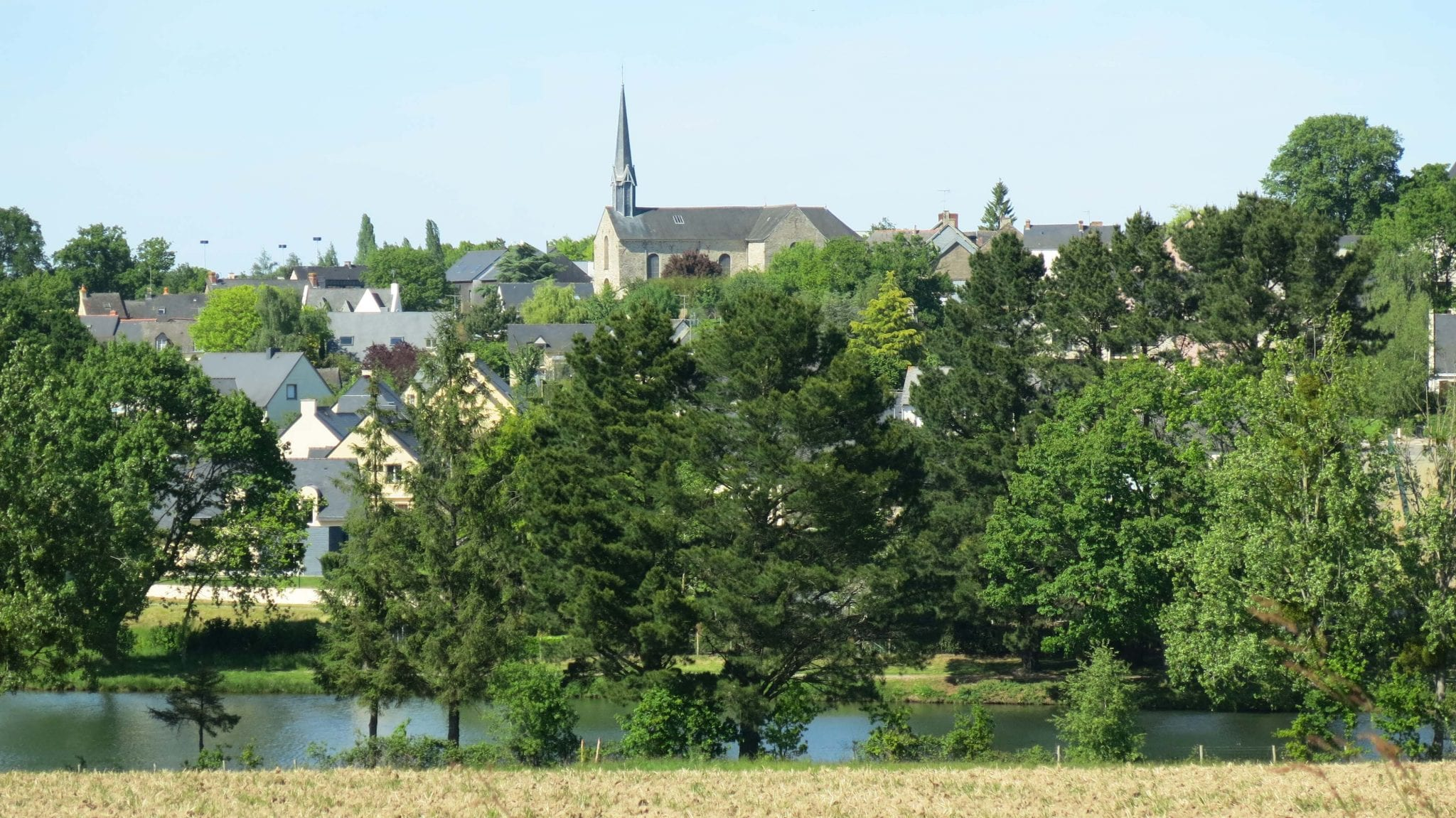 Crevin - Vue Bourg