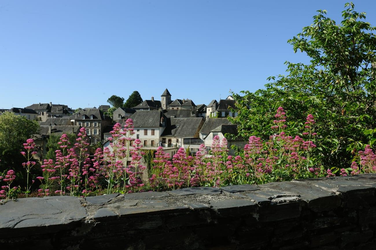 Donzenac, Village étape
