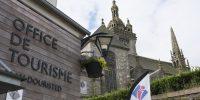 Saint-Thegonnec, Village étape
