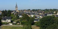 Grand-Fougeray, Village étape